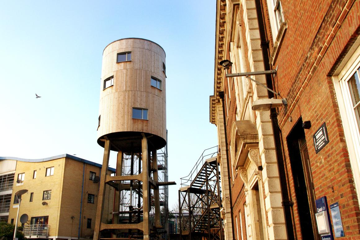 """""""Tower House"""" converted water tower in London's North Kensington"""