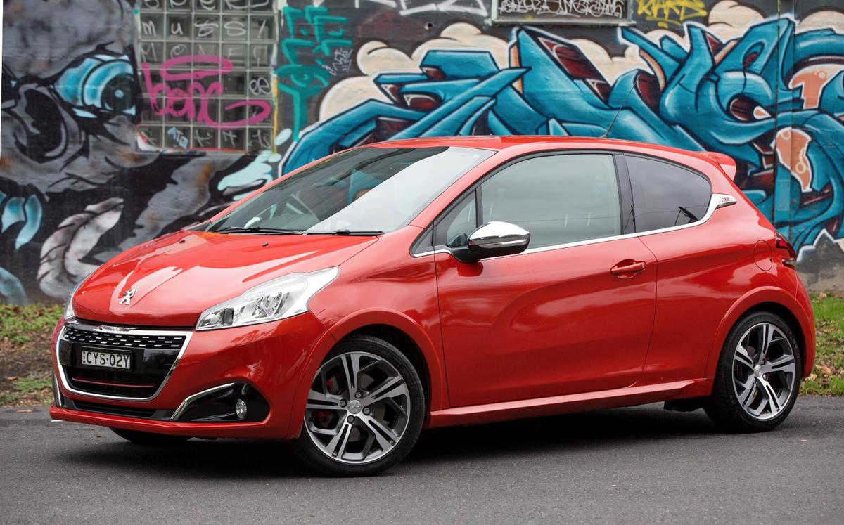 Gizmag takes the 208 GTi for a spin
