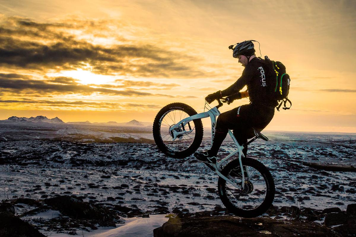 Lauf's Carbonara fork is designed to be a lightweight means of equipping fatbikes with front suspension (Photo: Lauf)