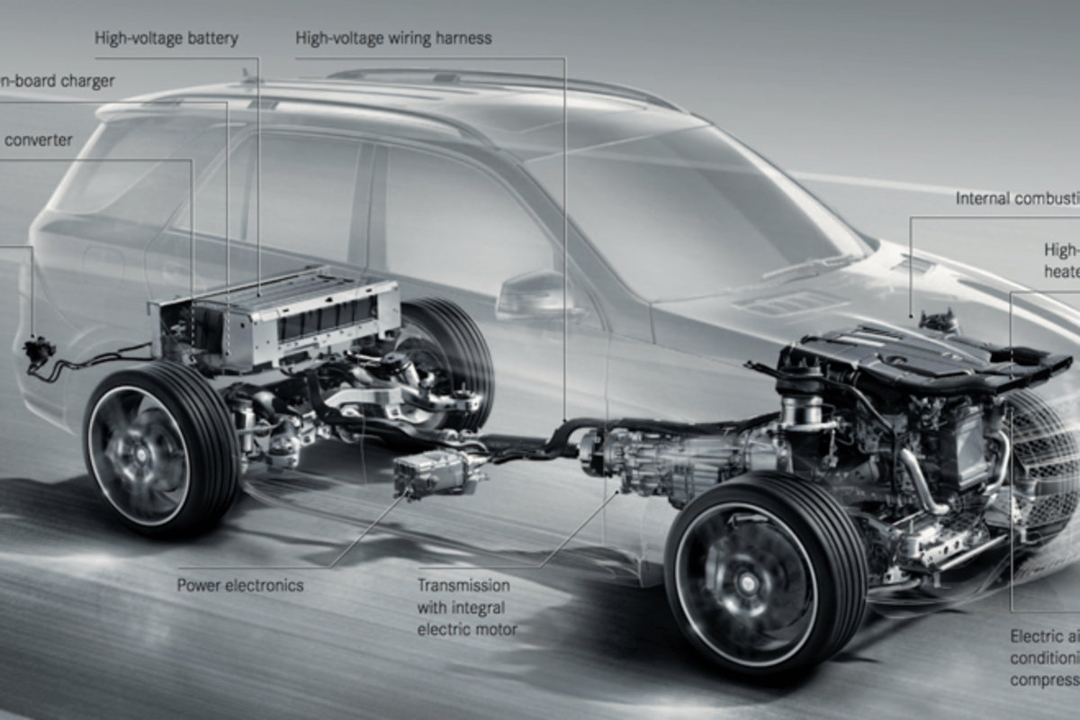 The plug-in hybrid electric powertrain in the 500 e is about 42 percent more efficient than its gasoline-only counterpart