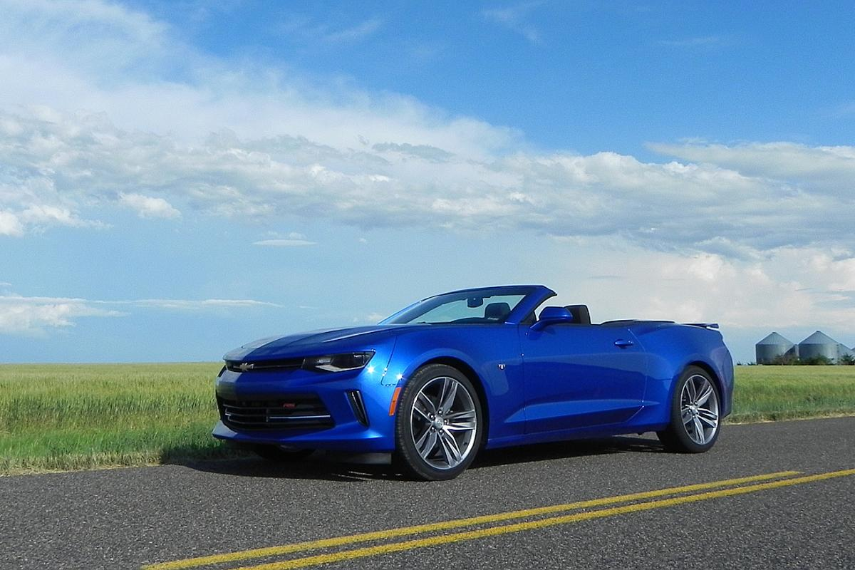 As an everyday driver with weekend fun runs ready to be had, the 2016 Chevrolet Camaro Convertible is a great choice