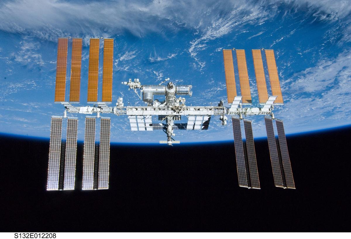 The Dextre robot replaced batteries that have been in service on the ISS since 1998