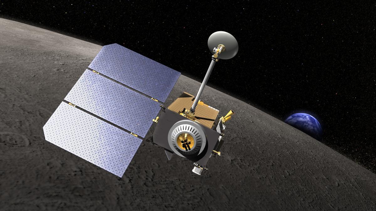 Artist's concept of the Lunar Reconnaissance Orbiter (Image: NASA)