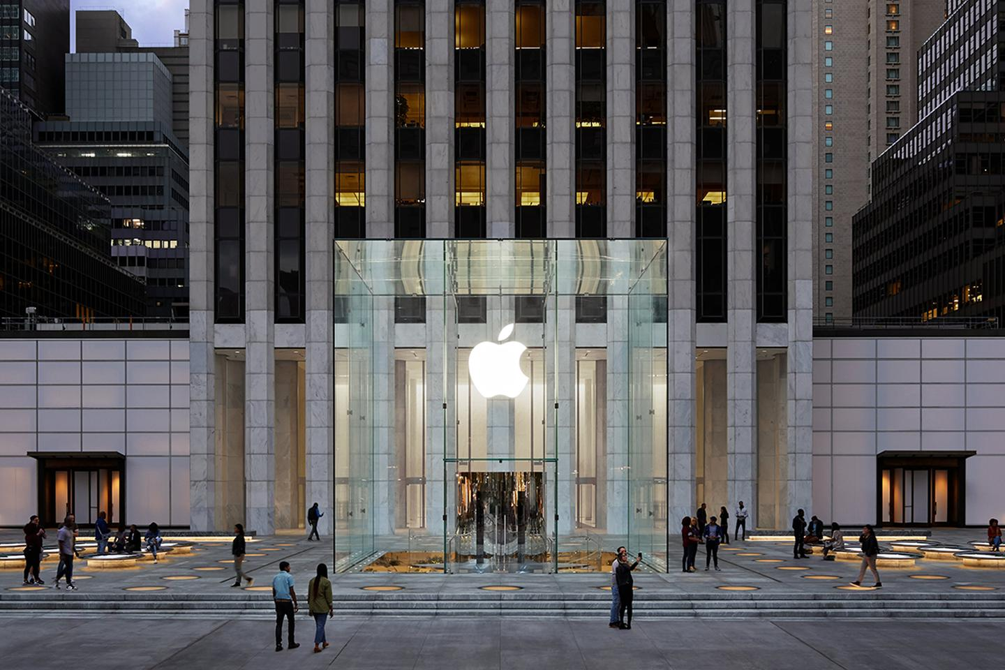 Apple Fifth Avenue has reopened after receiving a significant renovation courtesy of Foster + Partners and Apple's own design team