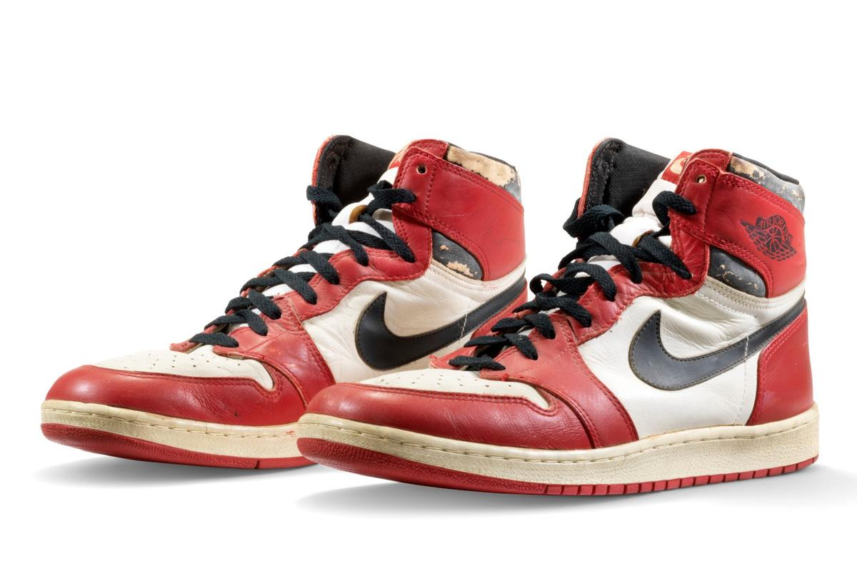 This set of game-worn sneakers took flight with Air Jordan as he smashed a backboard in Italy