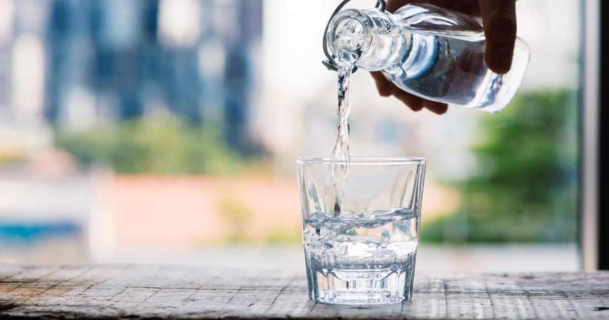 Increased water intake suppresses key hormone to reduce obesity