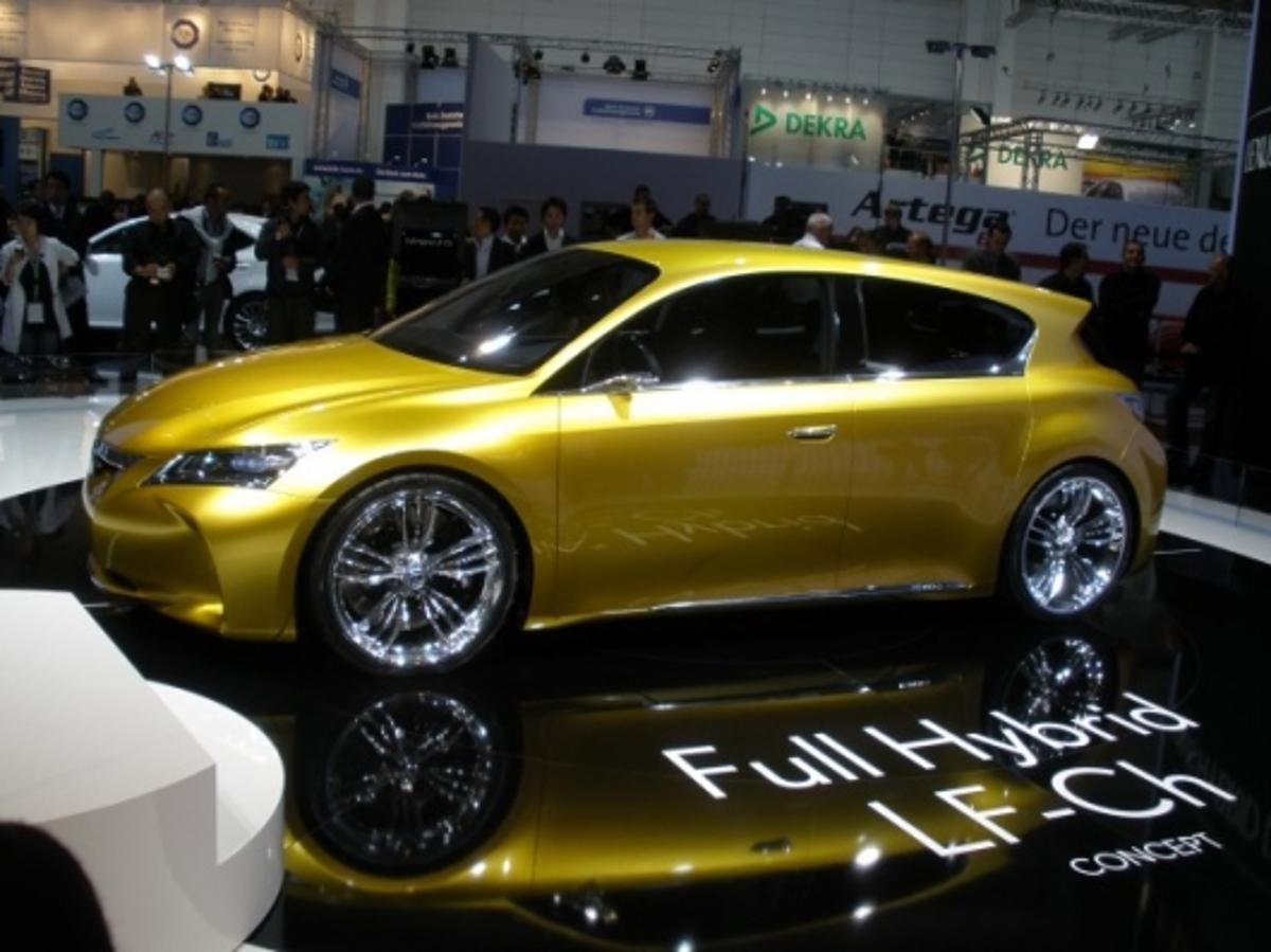 The wraps come off the Lexus LF-Ch at IAA