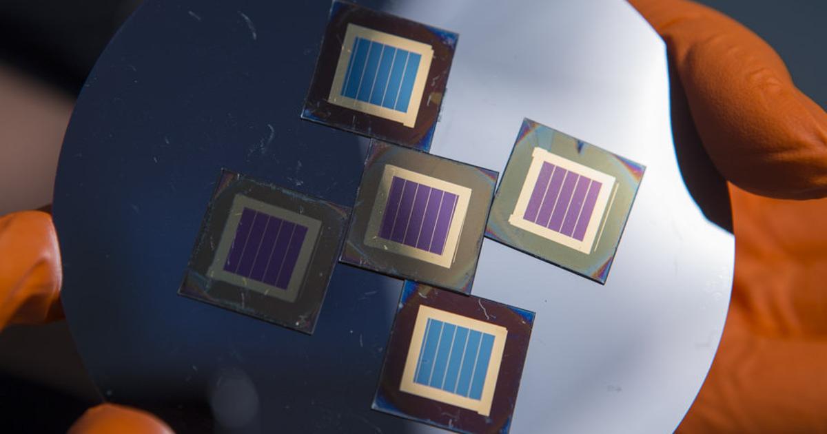 New tandem perovskite-silicon solar cell breaks efficiency record