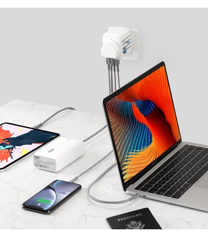 Passport GOpacks a 4-port USB charger with 30W power delivery