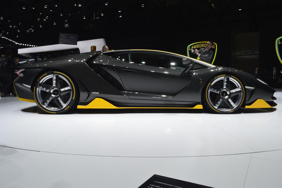 There will be 20 coupe-style bodies and 20 roadster versions of the Lamborghini Centenario, and all 40 cars have already been purchased by eager customers around the globe