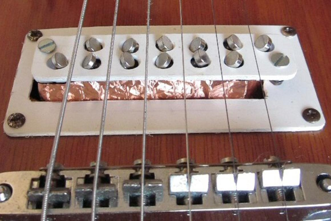 The 3Dxy electric guitar pickup system registers string vibration on two axes to offer a rich, surround sound effect called natural stereo