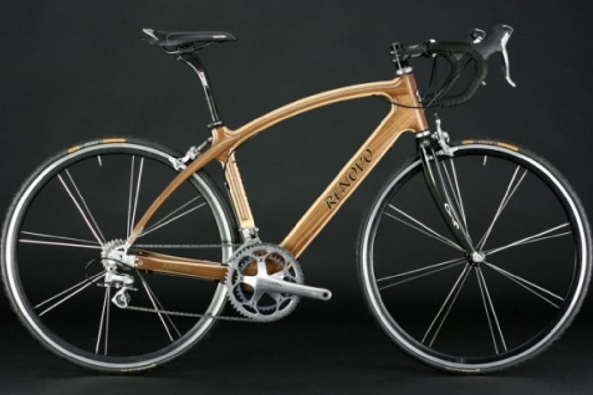 The Renovo R4 Pursuit road bike, black walnut and Port Orford cedar