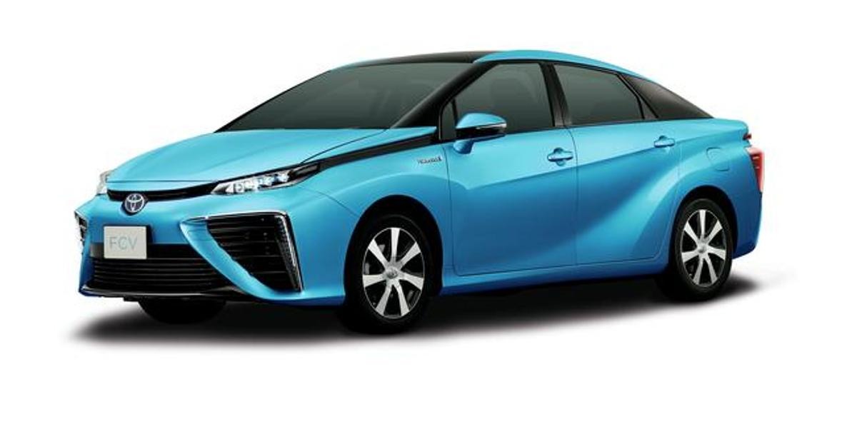 In the past, Toyota estimated a range of 300 miles (483 km)