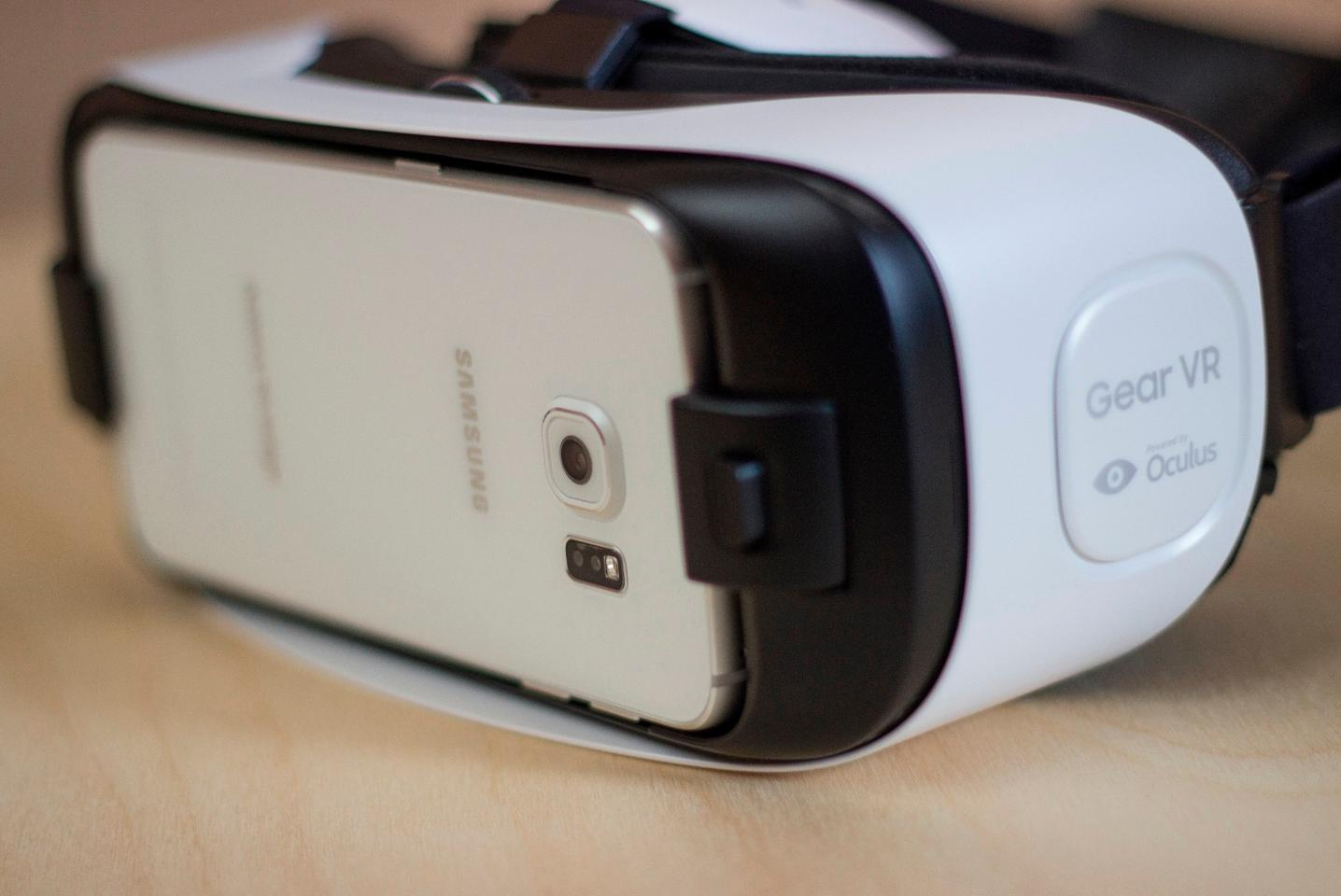 Front corner of the Samsung Gear VR (Photo: Will Shanklin/Gizmag.com)
