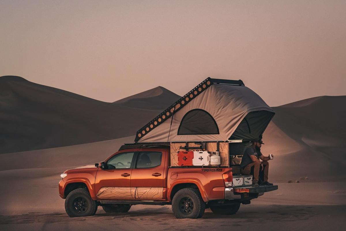 Fold the extension hoop out and the Harker EDC provides a light awning overhead