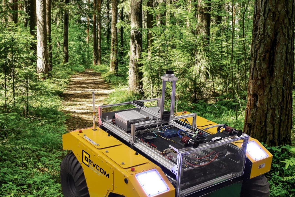 Clearpath Jackal robots working as a team using α-shape