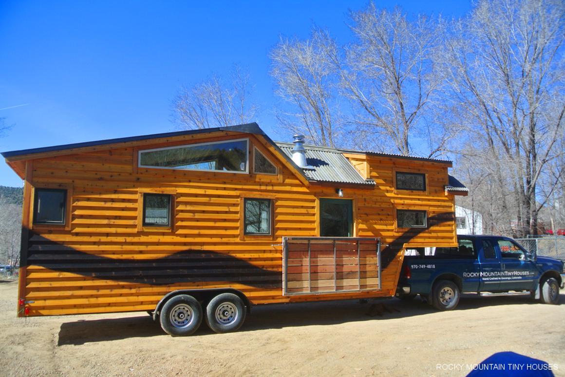 The Rio Grande tiny house sits atop a 9.7 m (32 ft) long gooseneck trailer (Photo: Rocky Mountain Tiny Houses)