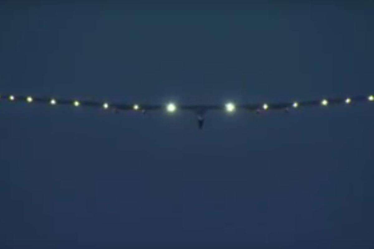 Solar Impulse 2 coming into land at LeHigh Valley