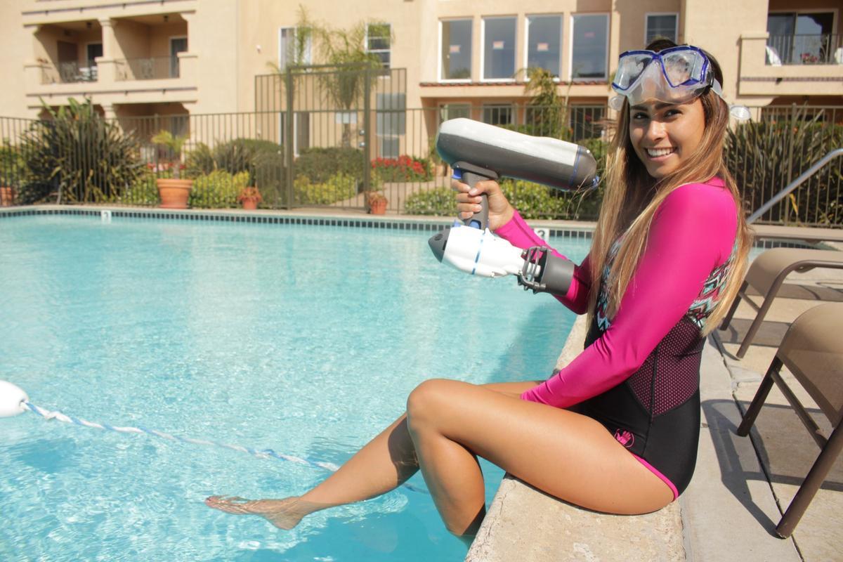 The Swim Jet setup weighs 5 lb