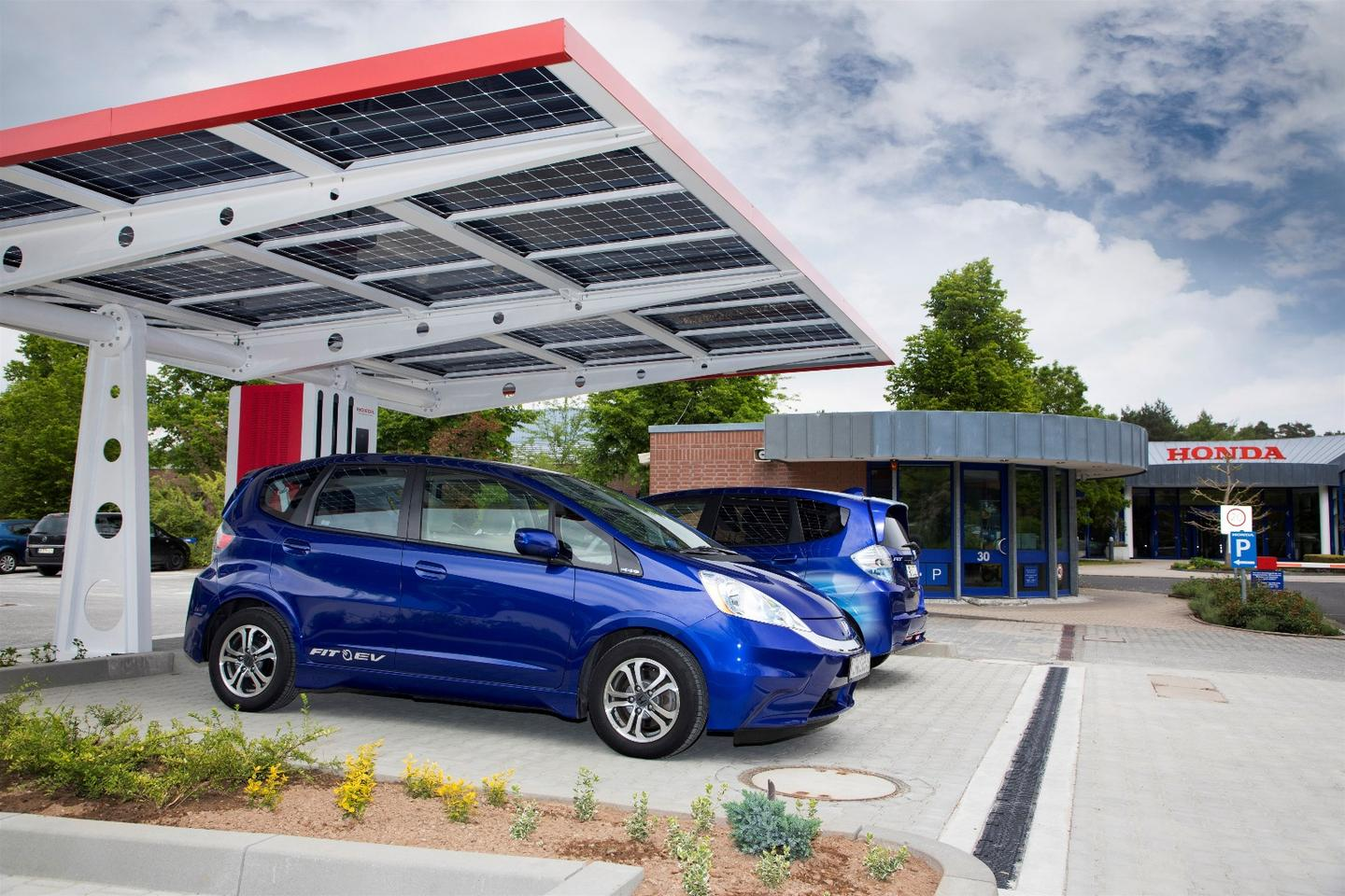 Honda uses renewable energy at its charge station