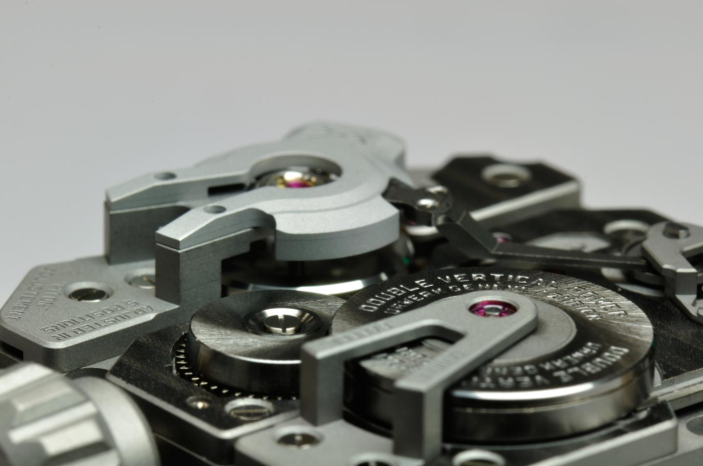 Instead of a battery, the watch uses a hand-turned Maxon generator for the electronics along with large double mainspring barrels to provide up to 80 hours of reserve power