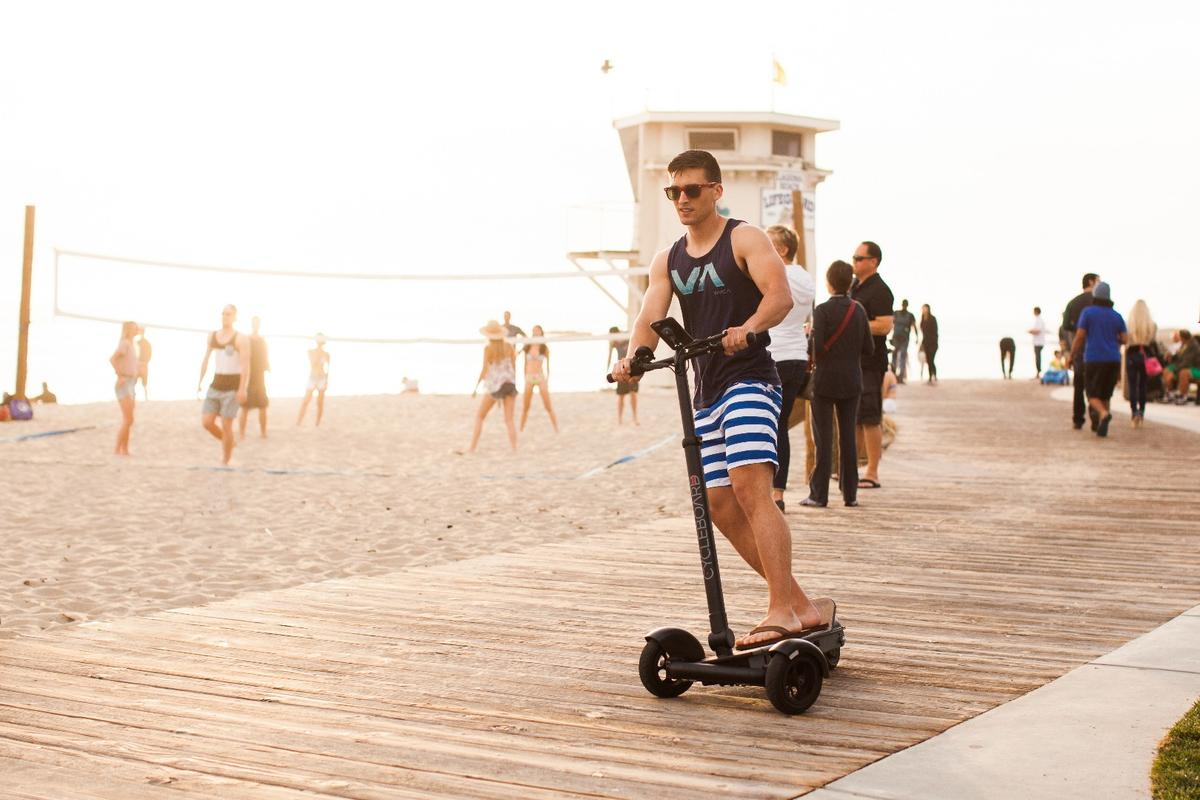 CycleBoard is designed to employ balance and reflexes, to carve smooth turns without compromising stability