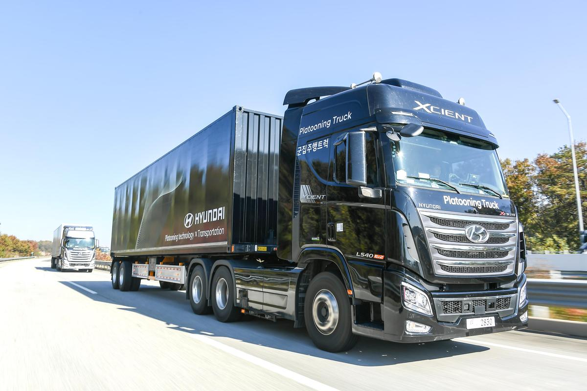 By sending a pair of self-driving trucks down a test highway in South Korea, Hyundai has now carried out a platooning trial of its own