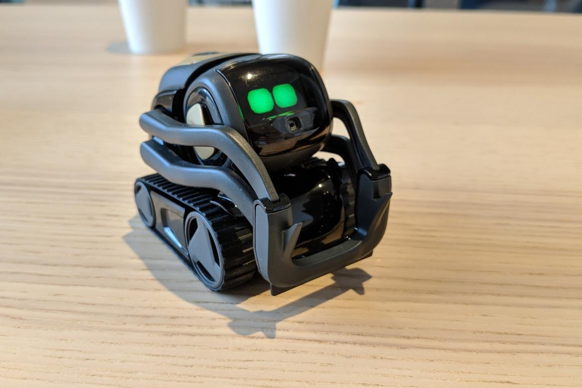Hands-on with Vector, Anki's new emotive home assistant robot