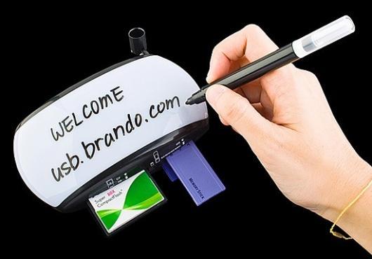 The Brando USB Moody Card Reader with Erasable Memo Pad(Images: Brando)