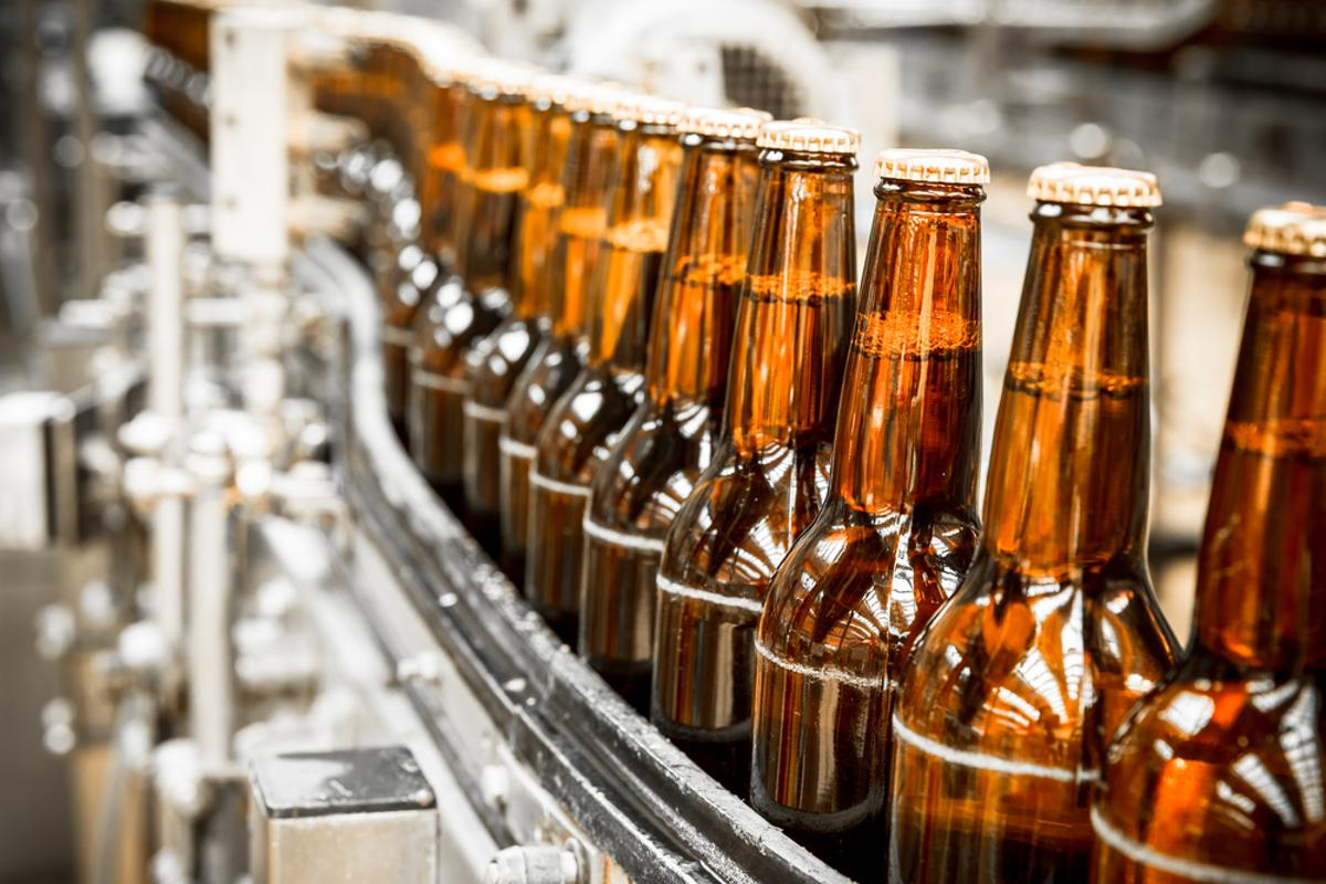 At the Fraunhofer Institute for Applied Polymer Research in Potsdam, scientists are working on a new test for beer pathogens that relies on a polymer powder (Photo: Shutterstock)