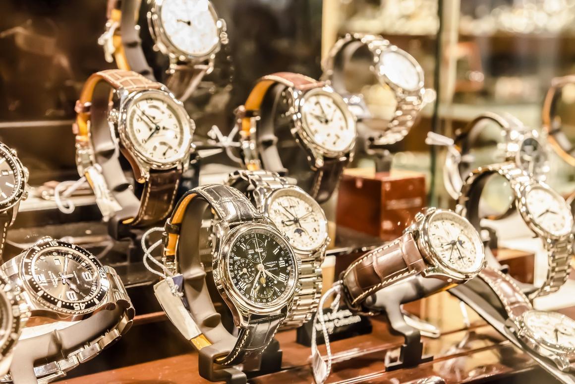 Đồng hồ nào?  Làm sáng tỏ thị trường đồng hồ