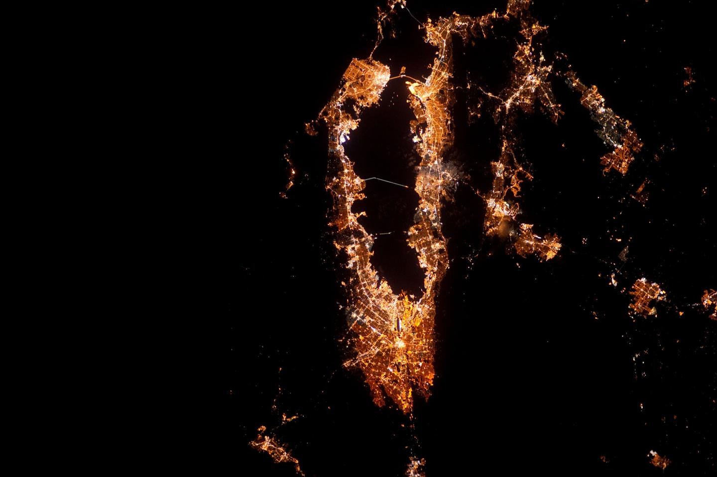 The San Francisco Bay Area snapped at night from the ISS in 2012 (Image: ESA/NASA)