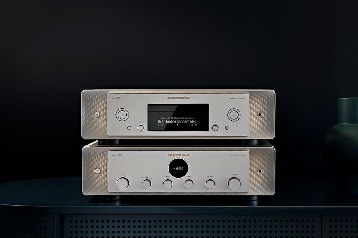 The inspiration for the Model 30 integrated amplifier (bottom) and the SACD 30n network streamer and SA-CD player can be found in Marantz flagship models from the 1950s, 60s and 70s