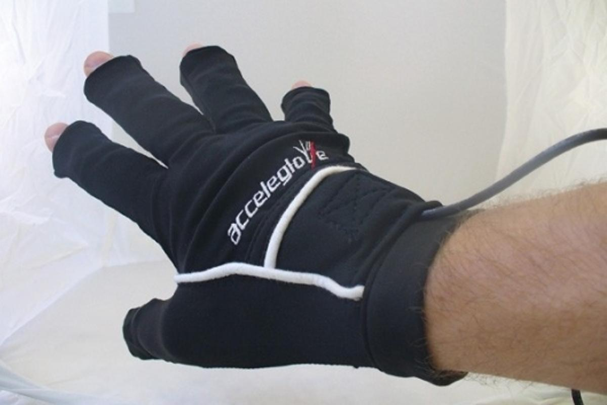 The AcceleGlove, easy to put on and use