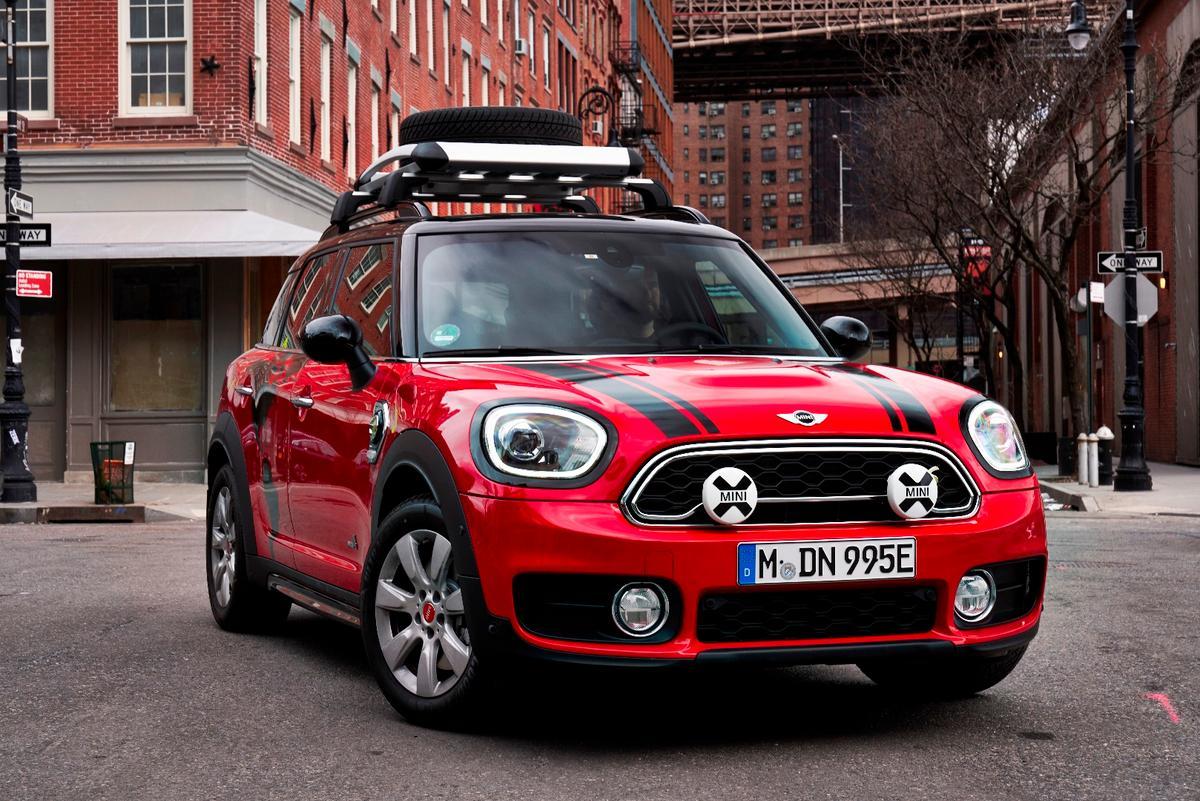 Mini brings a bit of adventurous spirit to the annual NYAuto Show