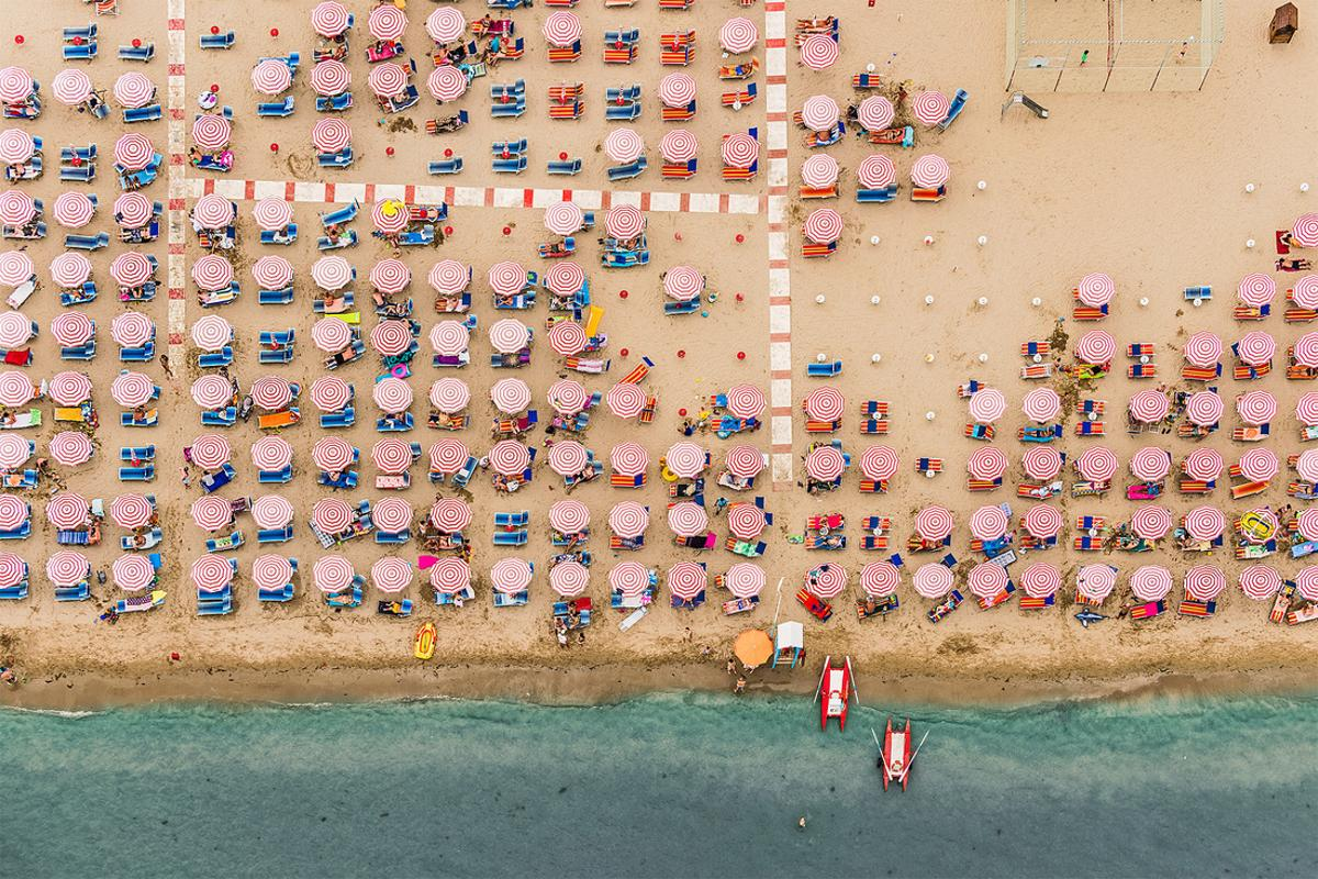 From Lang's 2015 Sony World Photography Award winning series called Adria, investigating mass tourism along the beaches of Italy