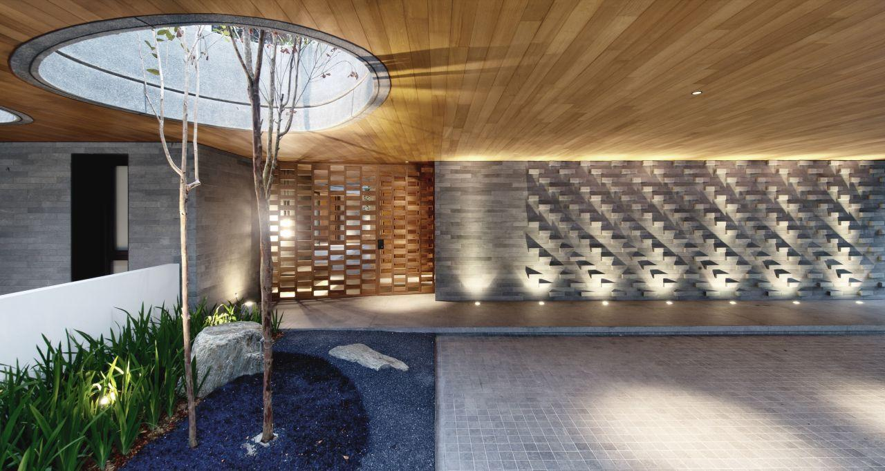 The Wall House measures a total of 1,116 sq m (12,000 sq ft) (Photo: Bryan van der Beek and Edward Hendricks)