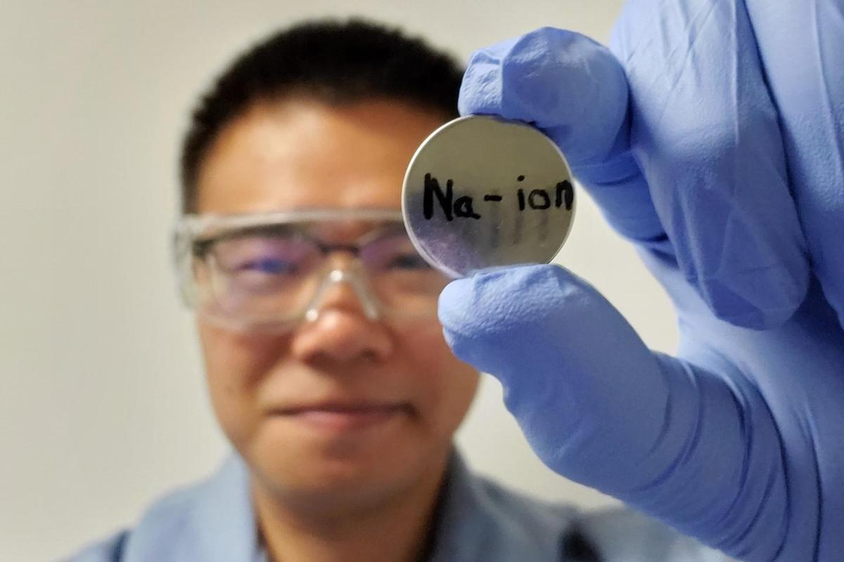 Study author Junhua Song and his team's sodium-ion battery