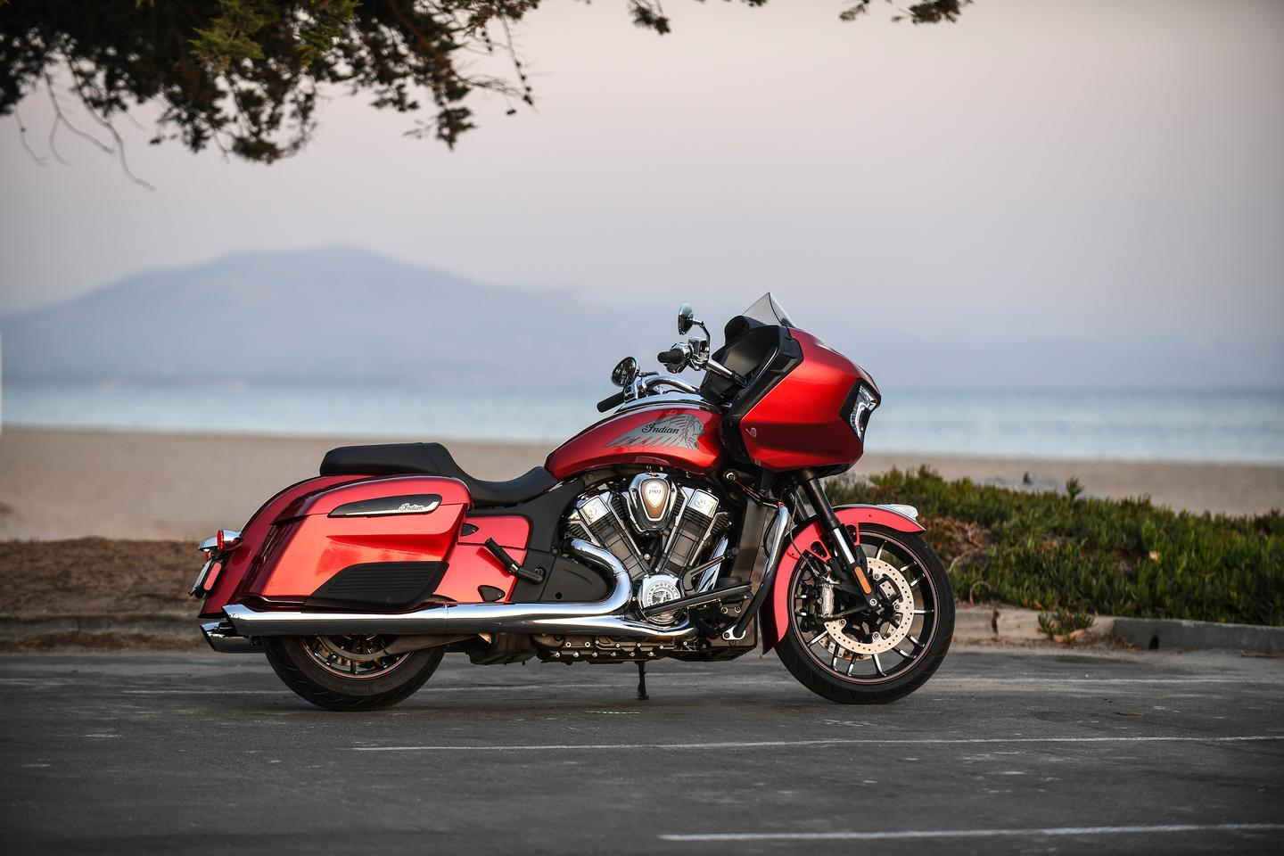 Indian Motorcycle 2020 Challenger Review