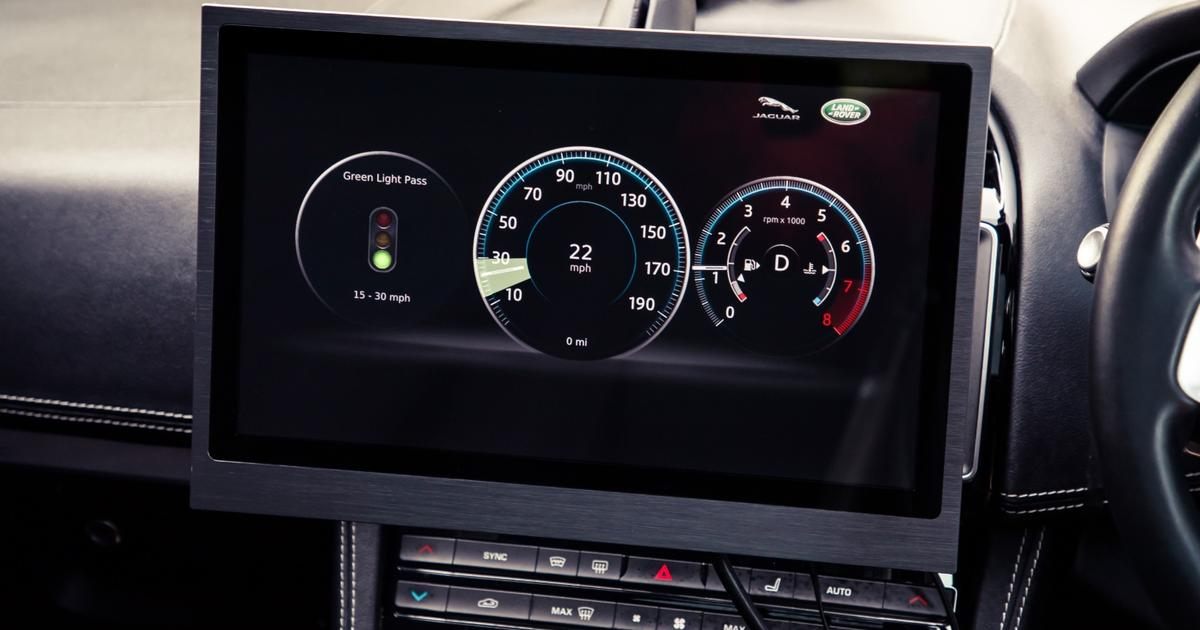 Jaguar's V2X tech: Stay in the green zone to time the