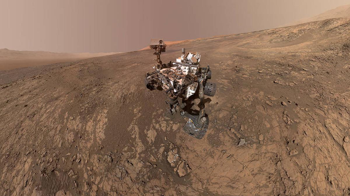 An earlier-taken self-portrait of NASA's Curiosity Mars rover shows the vehicle on Vera Rubin Ridge
