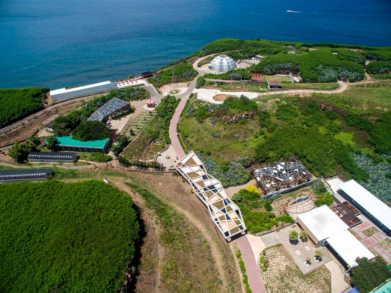 The Penghu Qingwan Cactus Park was restored from an abandoned military base, giving it a new lease on life as a public attraction