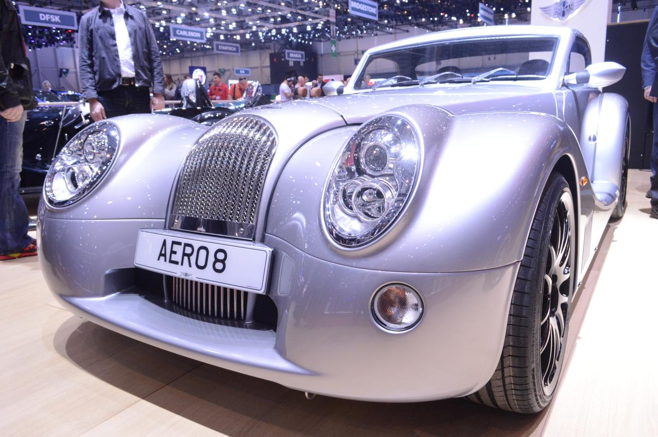 The nose of the new Morgan Aero 8, shows off the traditional Morgan grill combines with new aero detailing (Photo: C.C. Weiss/Gizmag.com)