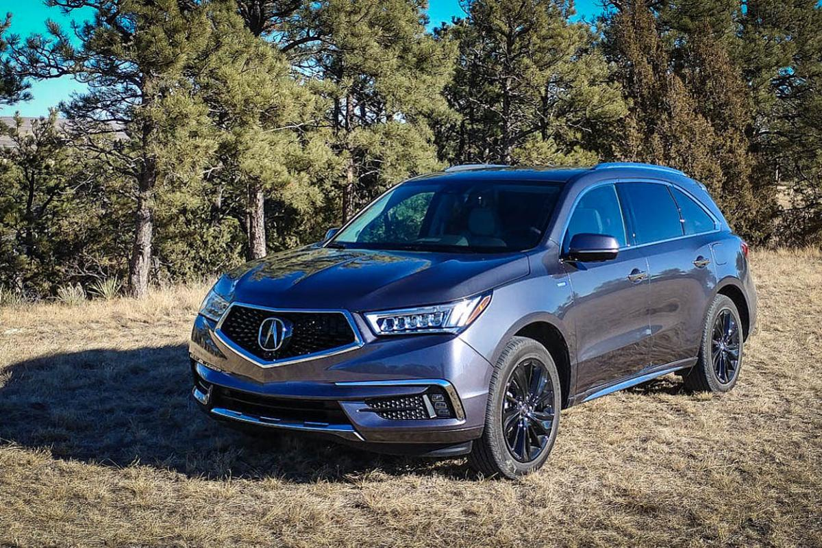 The 2017 Acura MDX Sport Hybrid delivers a solid driving experience in a hybrid platform