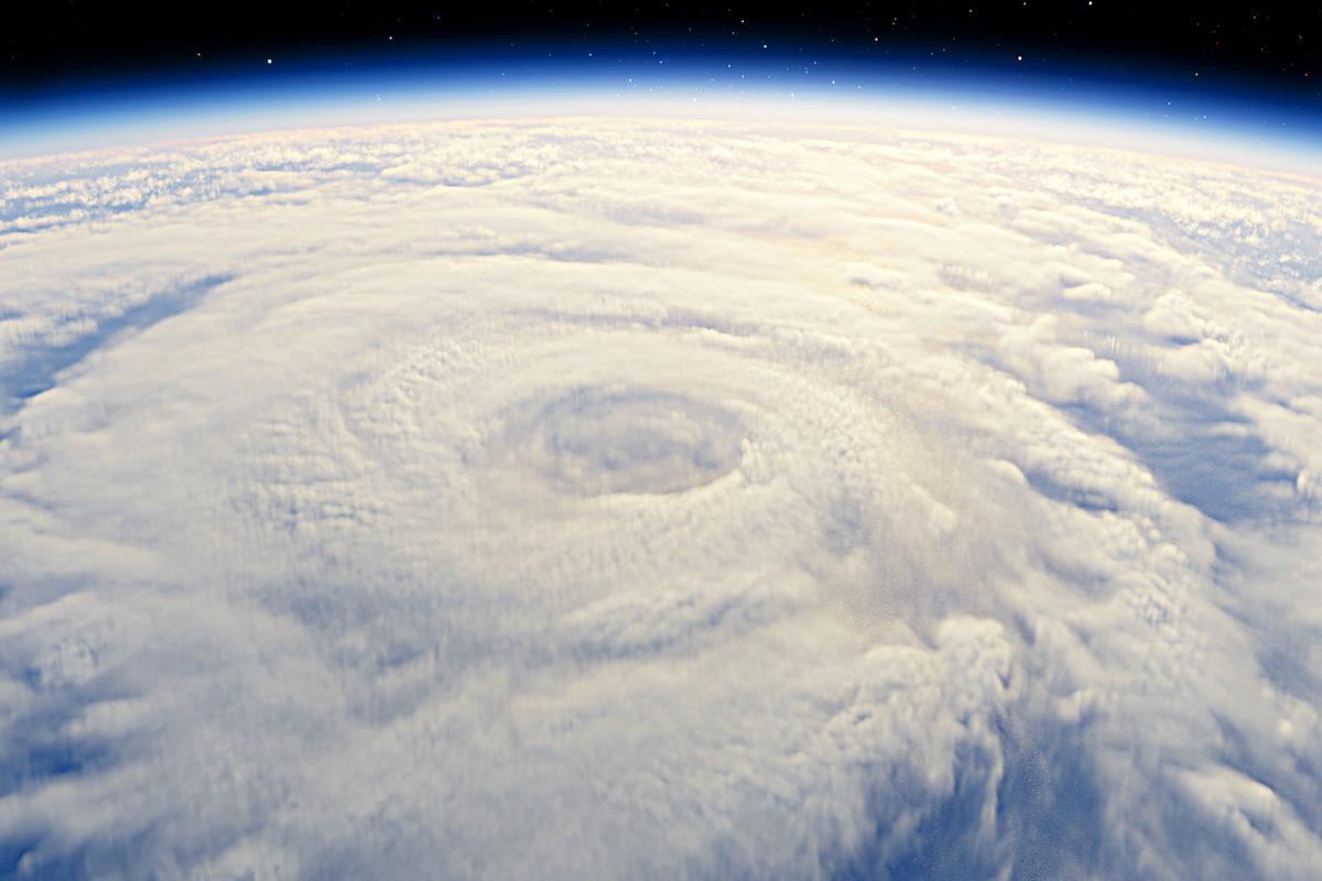 Is this cyclone a tremor trigger? (Photo: Shutterstock)