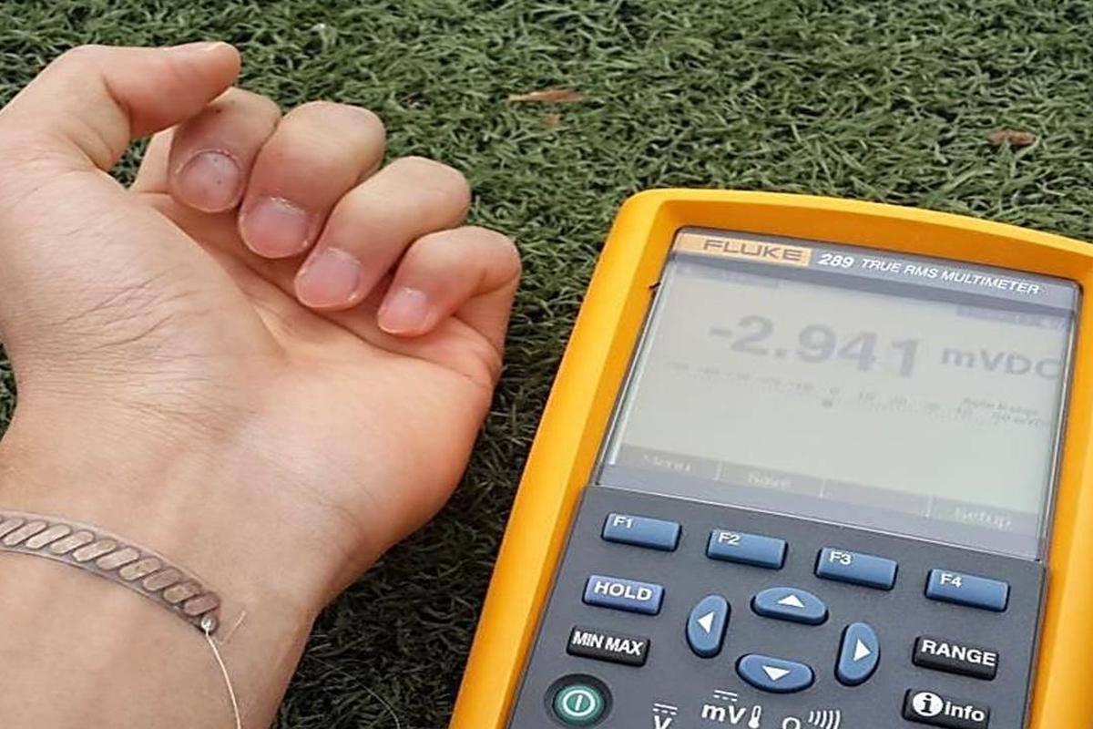 KAIST's device can generate electricity from bodily heat (Image: KAIST)