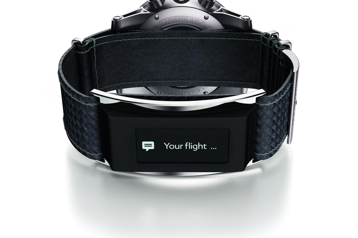 The e-Strap moves the smartwatch functions to the watchband