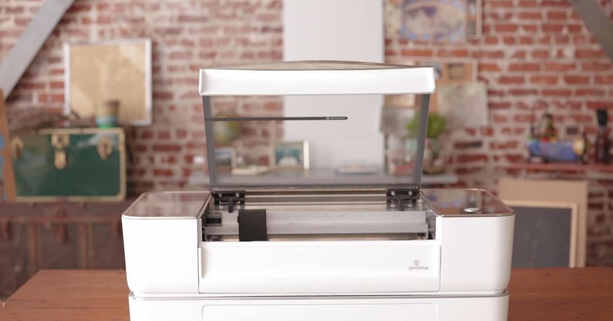 Glowforge 3D laser printing juggernaut enters life after crowdfunding
