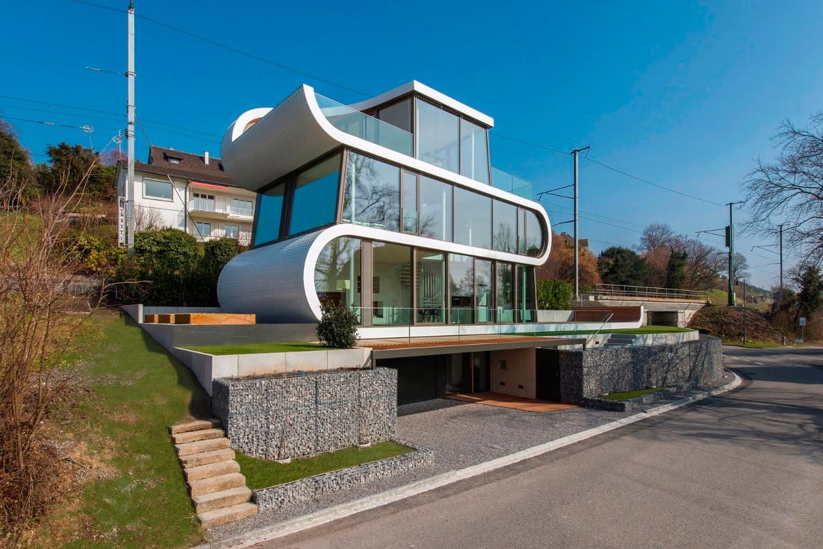 While it's no Passive House, Flexhouse does feature some energy-efficient design