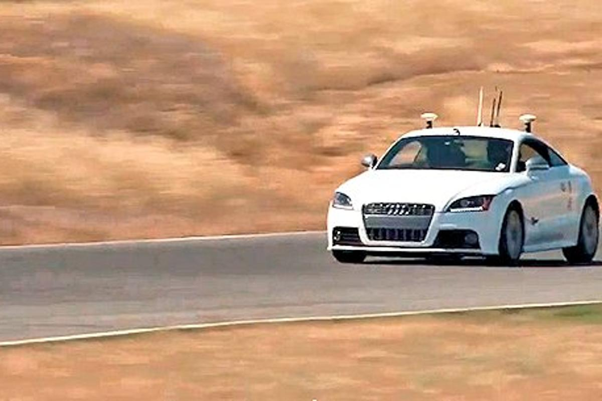 Stanford's autonomous Audi TTS entering the second part of a chicane at Thunderhill Raceway